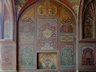 Frescoes in the prayer chamber of the Wazir Khan Mosque. Photo: Stefan Weidner © Goethe-Institut