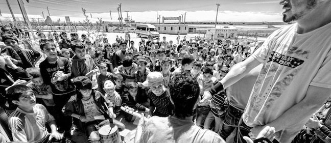 A concert at a refugee camp in Istanbul 2015 | Credit: Enis Yücel