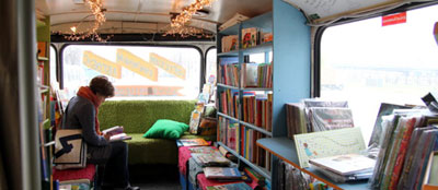 The interior of a Book Bus | Photo (detail): © readymedia.com