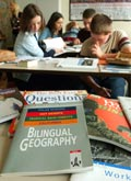 Bilingual teaching of geography in class 8/5 at the Herder-Gymnasium in Halle/Saale; Copyright: picture-alliance / ZB
