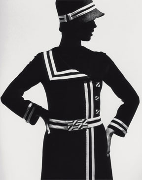 'Op-Art Silhouette', jersey coat by Lend, Paris 1966, from the magazine Brigitte 4/1966, © Stiftung F. C. Gundlach