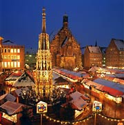 Christmas market in Nuremberg, Bavaria   © picture-alliance / Bildagentur Huber