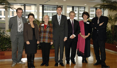 "Members of the ""Maalouf Group"" (from left to right): Jacques de Decker, Simonetta Agnello Hornby, Amin Maalouf, Leonard Orban, Jutta Limbach, Sandra Pralong © European Communities, 2009"