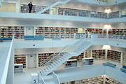 Galerie der Stadtbibliothek Stuttgart;  © Südpol-Redaktionsbüro/T. Köster