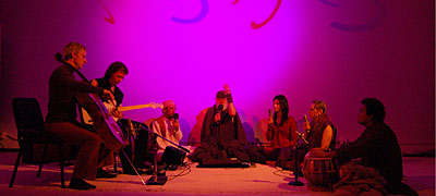 "La Monte Young, Marian Zazeela and The Just Alap Raga Ensemble: Live- Performance im ""Dream House"", Installation und Europäische Erstaufführung; © Foto: Jung Hee Choi 2008"