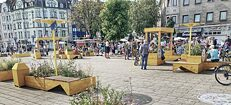 Vibrant social life on green squares instead of all the cars: Could the future of the city look like the Day of the Good Life in Cologne?