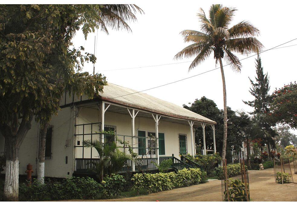 Habitação de um trabalhador alemão no distrito 3 de outubro, próximo à fazenda Casa Grande da família Gildemeister, Peru.