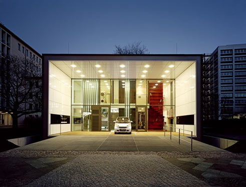 Werner Sobek, apartment house in Berlin, entrance