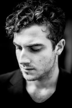 The newcomer of the electronic music Nicolas Jaar deconstructed in Cologne works of Iannis Xanakis.