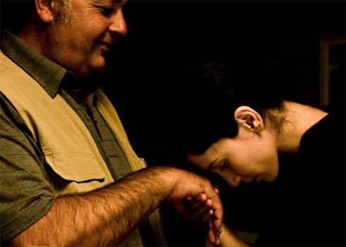 "Settar Tanriögen and Sibel Kekilli as father and daughter in ""Die Fremde"". 