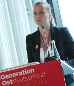 Adriana Lettrari is co-founder of the Dritte Generation Ostdeutschland network.
