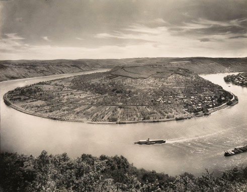 August Sander, The Rhine at Boppard, Osterspey, 1938, Collection Lothar Schirmer, Munich