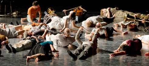 """Jagden und Formen"" (Hunts and Forms) (2008) by Sasha Waltz&Guests and Ensemble Modern for the festival ""Frankfurter Positionen""."