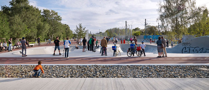 Example of civic commitment in designing public spaces: the park at Gleisdreieck in Berlin.