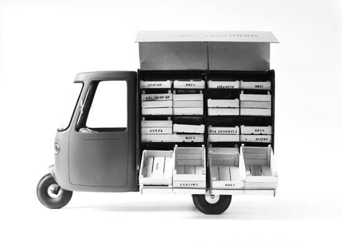Pick-up truck 1963/64, Design: Kerstin Bartlmae, Peter Kövari, Michael Penck
