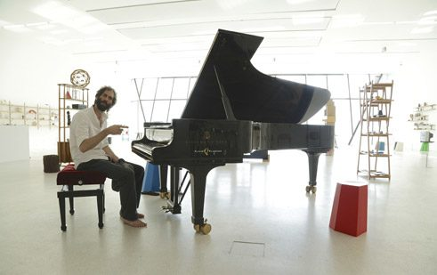 Not only classical festivals are searching for new ways of presenting music. The experimental piano player Matthew Bourne for example performed in the contemporary art exhibition of the Museion at the Jazz Festival Alto Adige 2015.