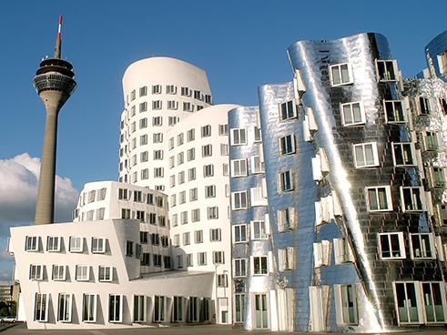 Image result for المصور الألماني بيرند بيشر