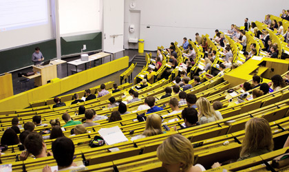 Vorlesung an der Uni | © picture alliance / JOKER