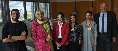 The Saudi Arabian artists together with Claudia Roth and Johannes Ebert, Secretary General of the Goethe-Institut