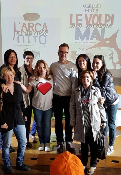 The teachers of the Scuola Primaria Mancini with Ulrich Hub