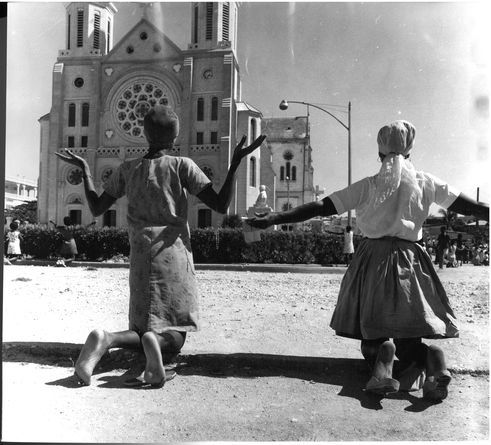 Leonore Mau | Sunday before the church, 1973 | Port-au-Prince, Haiti