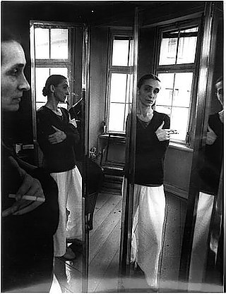 Leonore Mau | Wuppertal. Pina Bausch in the mirror, reflected three times, 1987 | Wuppertal
