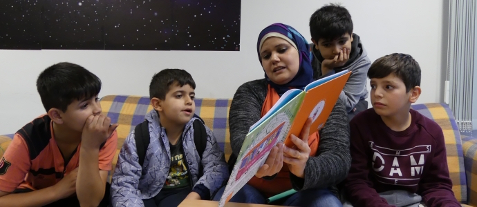 "The German-Arabic children's book series ""Einfach lesen!"" accompanies kids as they become accustomed to their new surroundings."