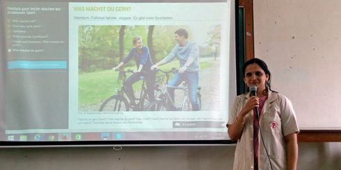 Teacher Yashashree Devdikar talks about sports acitivies with German learners