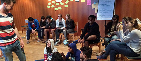 Bianational radio projekt with German and Indian teenagers in Possenhofen