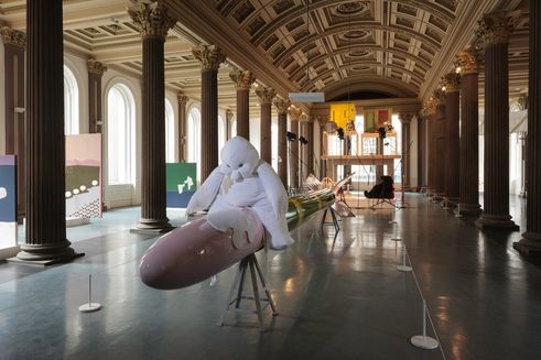 "Cosima von Bonin | Ausstellungsansicht ""WHO´S EXPLOITING WHO IN THE DEEP SEA?"" 