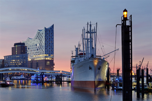 The Elbe Philharmonic Hall both lives and contributes to a real maritime aura