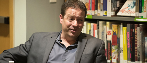 Doug Saunders at a Goethe-Institut Toronto event with Darren O'Donnell, 2015