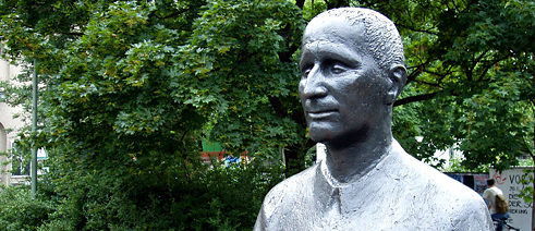 The most influential political poet in Germany: memorial monument for Bertolt Brecht in Berlin