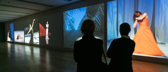 Eröffnung der Ausstellung in der Bundeskunsthalle in Bonn