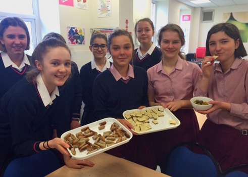 Pupils tasting German food