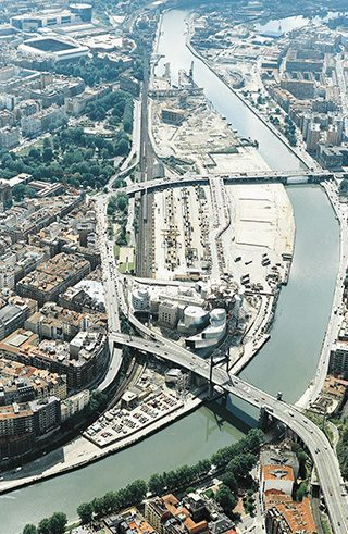 Aerial photo of Bilbao und the Ría (estuary) with the Guggenheim Museum