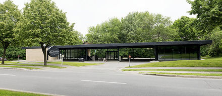 Esso gas station by Ludwig Mies van der Rohe