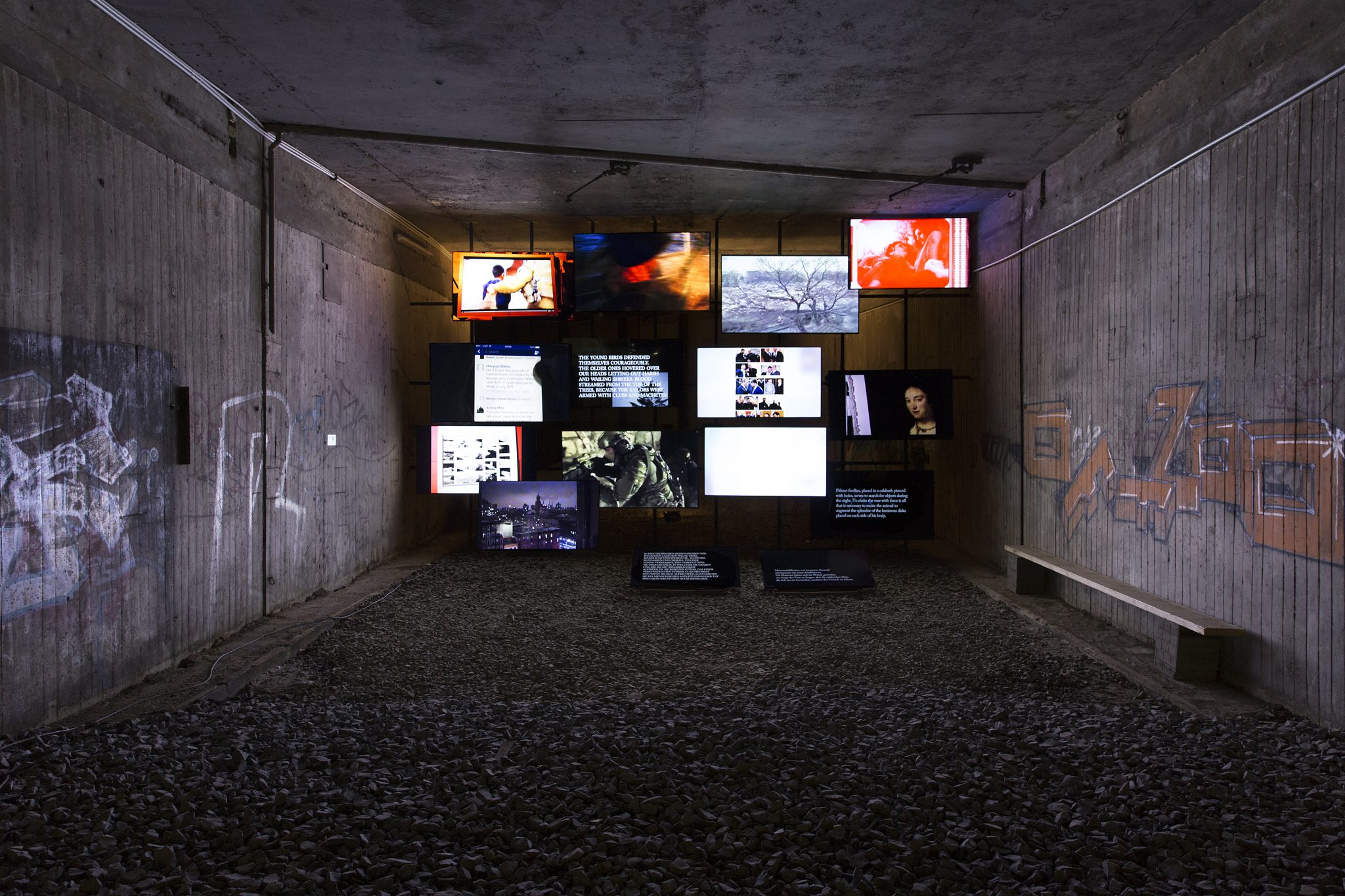 Michel Auder, The Course of Empire, 2017, Vierzehnkanal-Digitalvideo-installation, Ehemaliger unterirdischer Bahnhof (KulturBahnhof), Kassel, documenta 14, Foto: Jasper Kettner