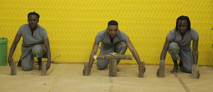 Children's theatre production Woodways: Encounter with the raw material wood.