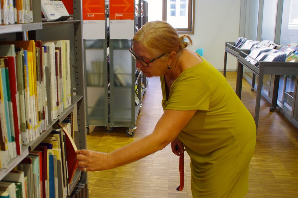 Browsing through North Bavaria's largest collection of music media