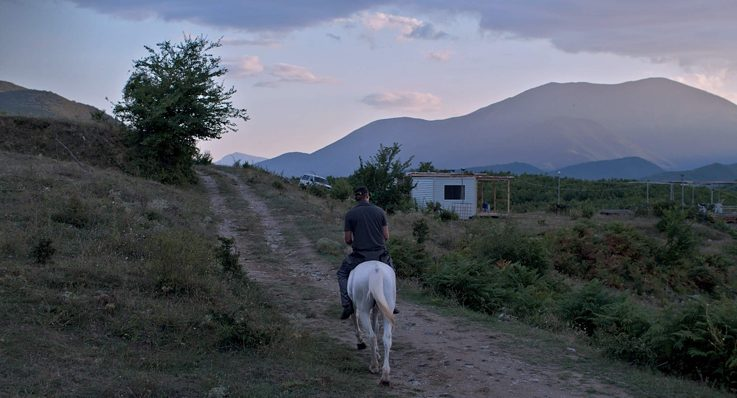 As the setting for her first Western, director Valeska Grisebac chose rural Bulgaria as backdrop.