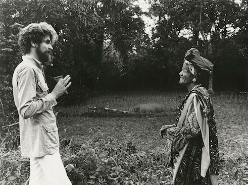 Hubert Fichte com Mother Darling, religiosa Yorubá, no ano de 1974.