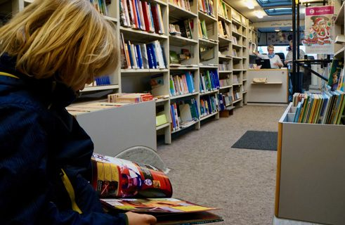Cube seats: the kids often like to look at a book right there.