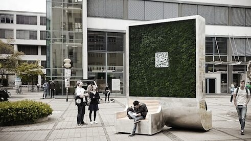 "The ""City Tree"" filters as much pollution from the air as 275 trees."