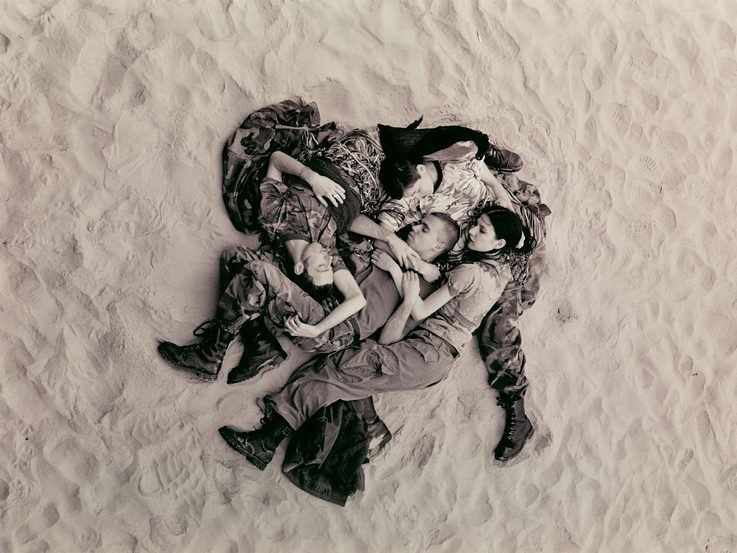 Wolfgang Tillmans: Lutz, Alex, Suzanne & Christopher on beach (b-w), 1993