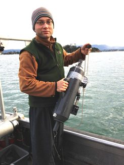 German INTERCOAST student sampling trace elements in seawater from Tauranga harbour