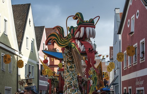 Chinese <i>Fasching</i> in Dietfurt