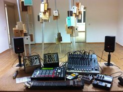 Leichtmann's live version of his Minimal Studies album, created using an Akai MPC, selected modular devices, mixing desk, various effect boxes and an ebow tone generator made from a zither.