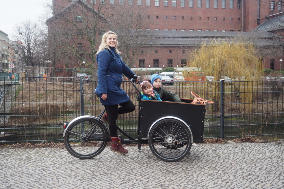 """A cargo bike is ideal in a flat city like Berlin. In addition to my kids, I can transport the shopping as well without running out of space. Essentially, the cargo bike replaces a car."""