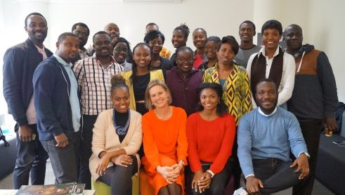 Annesusanne Fackler and the 22 participants of Afrika kommt!
